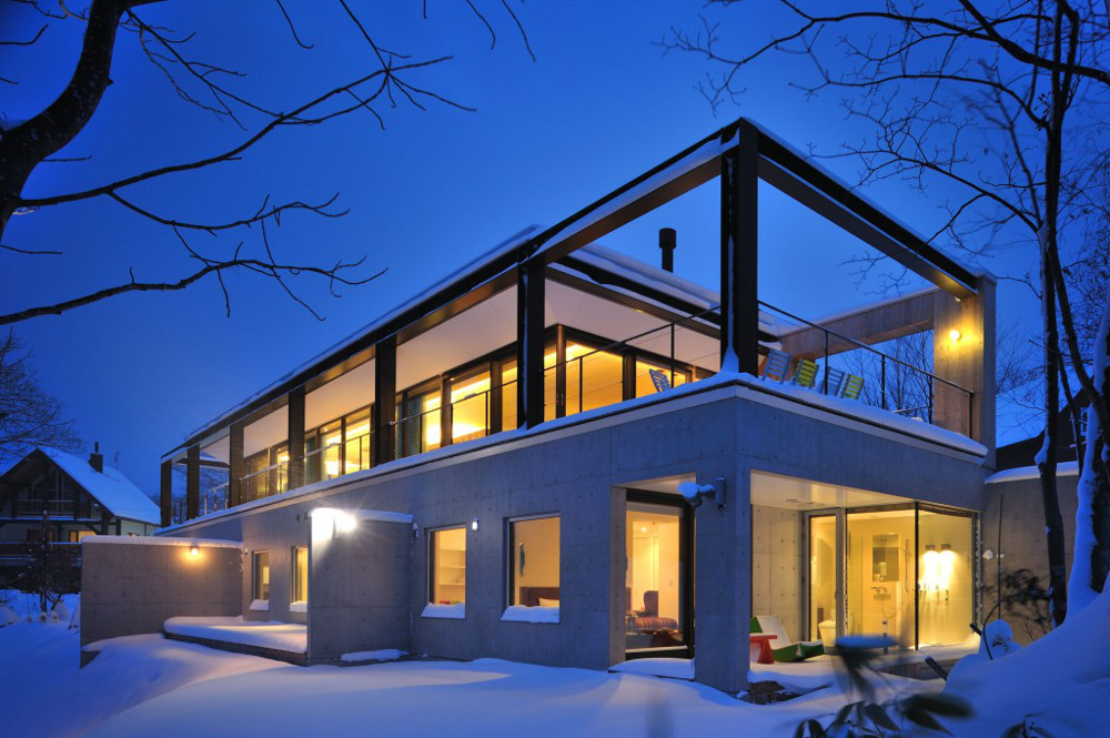 7 best luxury resorts in niseko japan lifestyle asia for Luxury glass homes