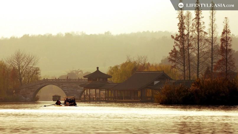Lago Oeste, em Autumn