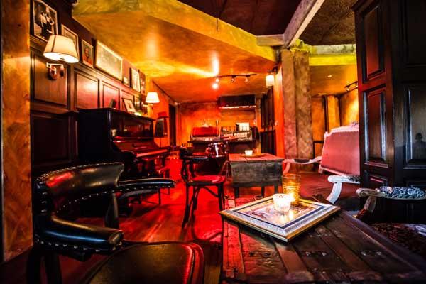 the guyde black amber 39 s new thonglor social club lifestyle asia bangkok. Black Bedroom Furniture Sets. Home Design Ideas