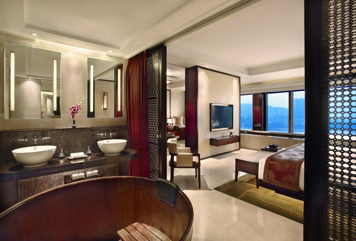 Checking In Banyan Tree Macau S In Room Pool Suites