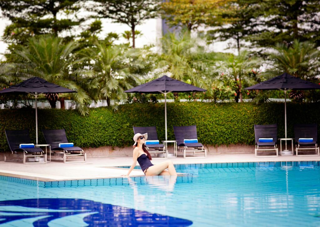 Checking in pan pacific singapore lifestyle asia singapore - Pan pacific orchard swimming pool ...