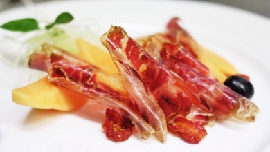 nerovivo - cecina ham with rock melon
