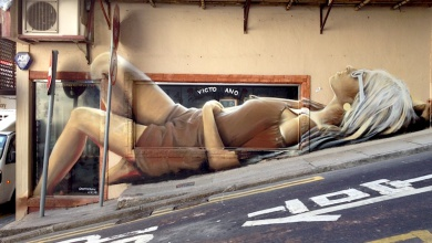 Reclinning_Lady_Mural_by_Artist_by_Artist_Victoriano_in_Hong_Kong_China_2014_01