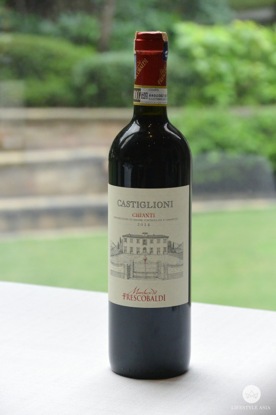 One of Shien's favourite wines, the Chianti 'Castiglioni' 2014 Frescobaldi from Tuscany, Italy pairs well with full-flavoured dishes like roast chicken and sautéd beef with vegetables.