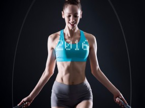 Track your fitness in mid-air with Smart Rope