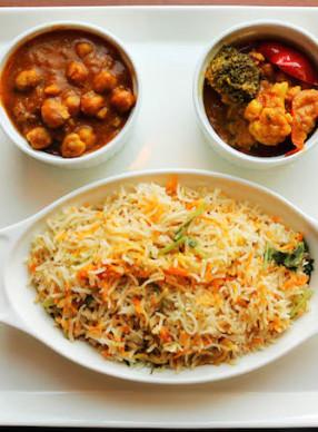 SRM 2016 - Zaffron Kitchen - Biryani rice with Chana Masala & Jaipuri copy FEATURE