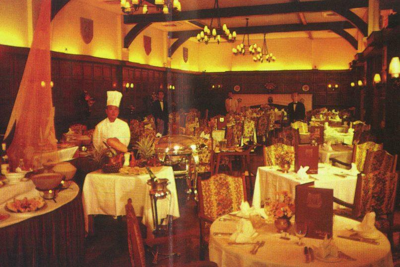 Raffles Hotel Elizabethan Grill copy