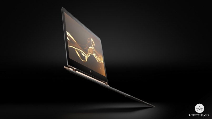 At only 1.1 kilograms, the HP Spectre can easily be slipped into your favourite tote and carried along anywhere you go.