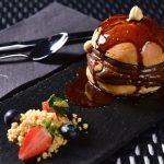 Le noir-chocolate and hazelnut brioche
