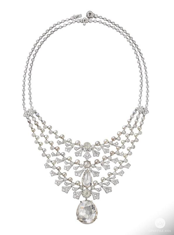Cartier Magie Blanche necklace